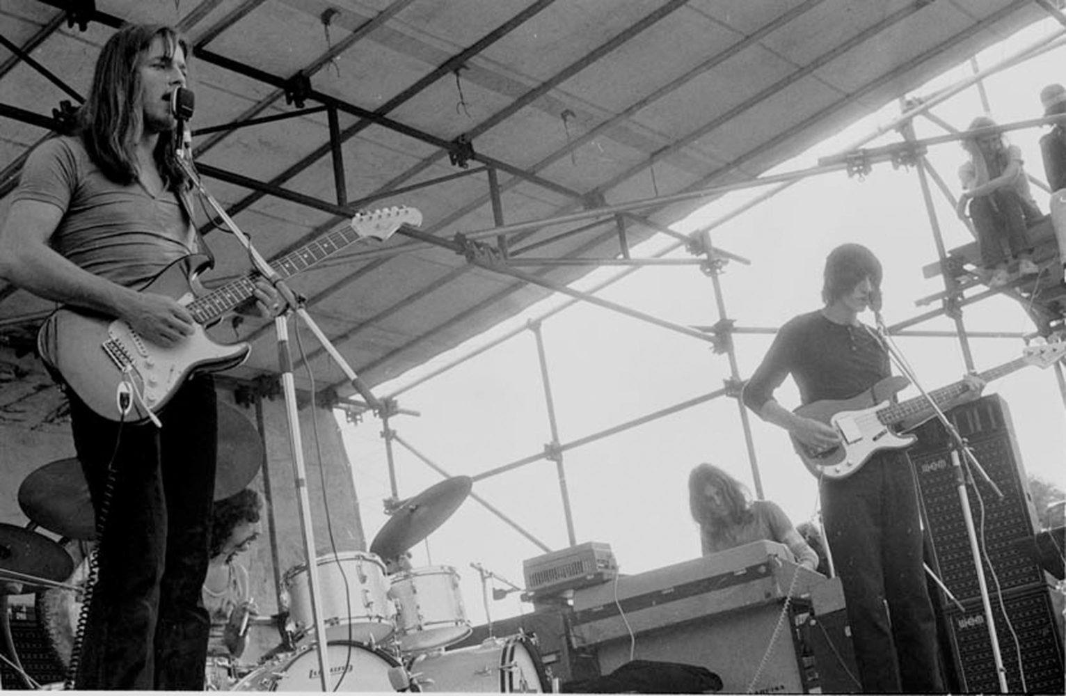 Pink-Floyd-330-19a-1532x1000.jpg